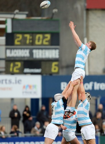 Roghan McMahon wins a line-out