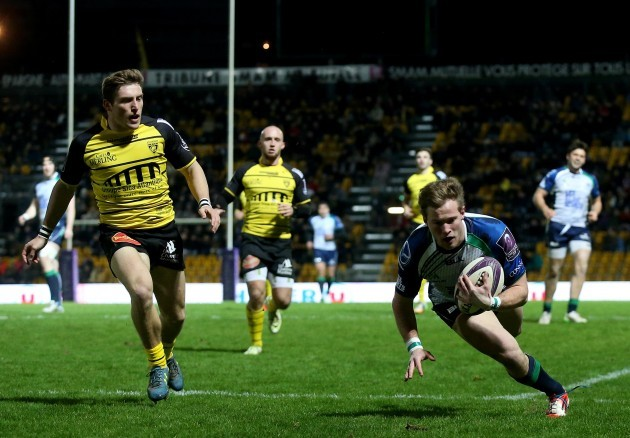 Kieran Marmion scores his side's opening try