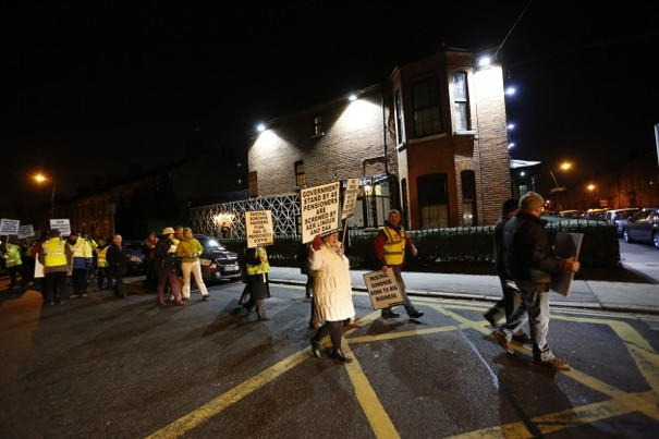 Protest outside Minister's home