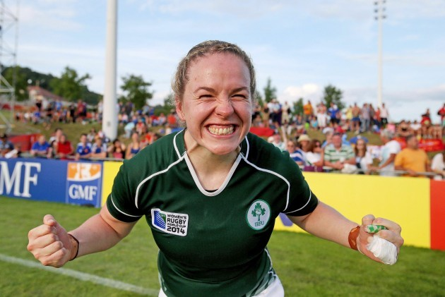 Niamh Briggs celebrates after beating New Zealand