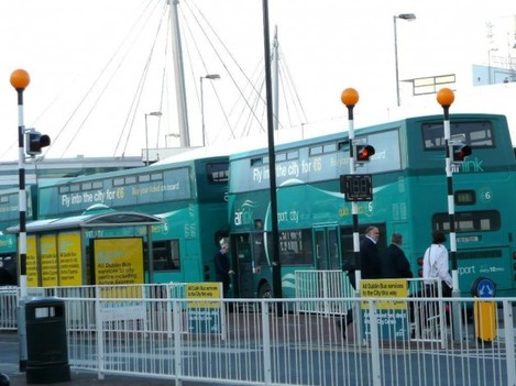 4437012-Airport_to_Dublin_City_buses_Howth