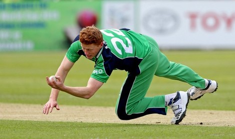 Kevin O'Brien makes a catch to take the wicket of Dinesh Chandimal 6/5/2014