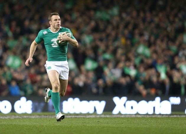 Tommy Bowe runs away for an intercept try