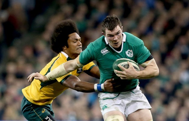 Peter O'Mahony tackled by Henry Speight