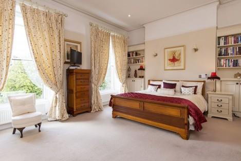 Master Bed 69 Eglinton Road