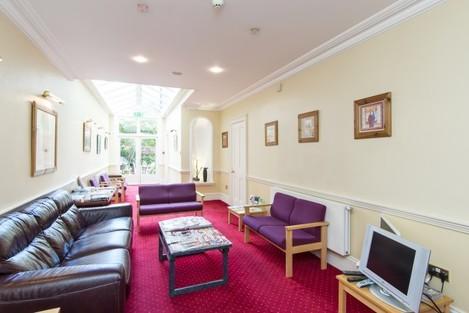 waiting room 69 Eglinton Road