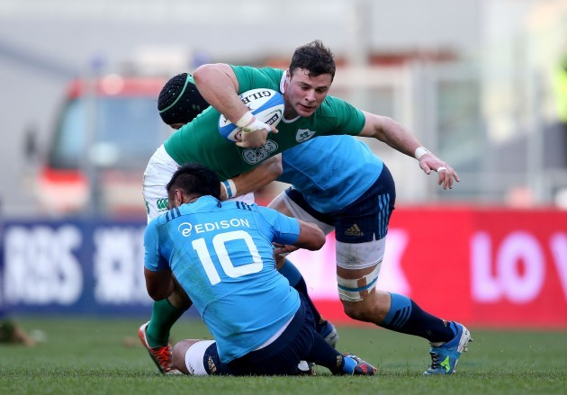 Robbie Henshaw tackled by Kelly Haimona and  Francesco Minto