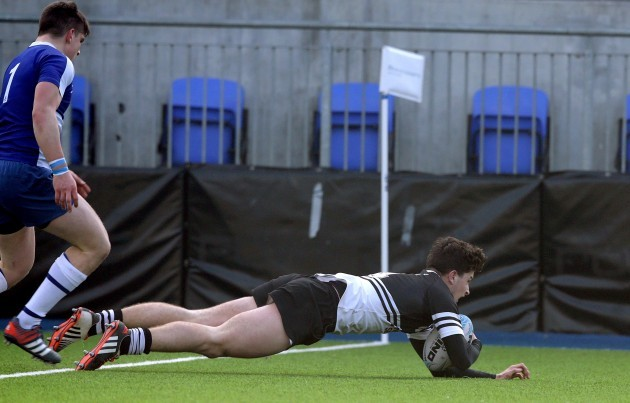 Mike Joyce scores a try
