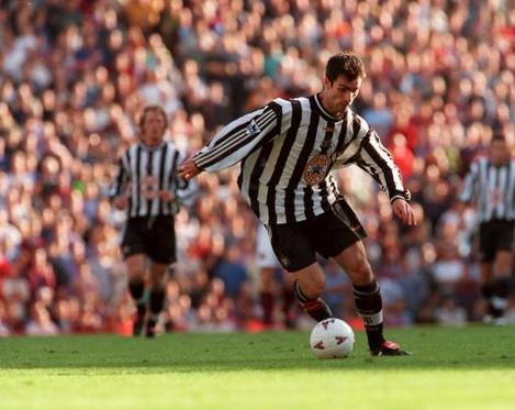 Soccer - FA Carling Premiership - West Ham United v Newcastle United