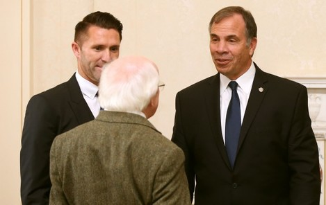 Michael D Higgins, LA Galaxy's Robbie Keane and manager Bruce Arena 18/2/2015