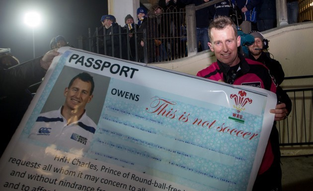 Leinster's fans present referee Nigel Owen with a passport