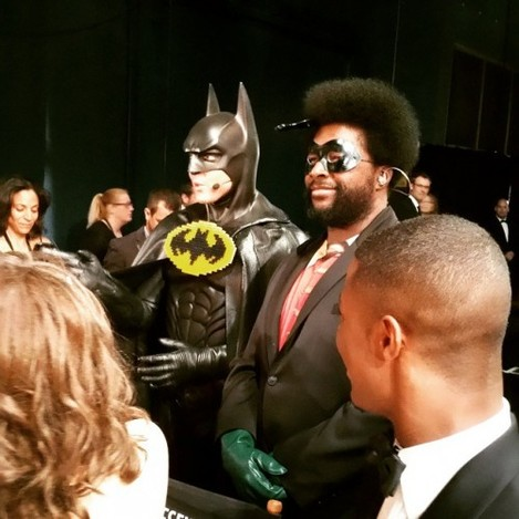Questlove and batman hanging with team oscar. Guess who batman is #oscars