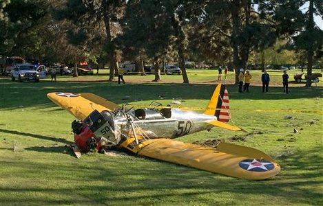 APTOPIX Golf Course Plane Crash