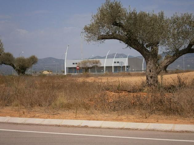 spain statue airport - 3