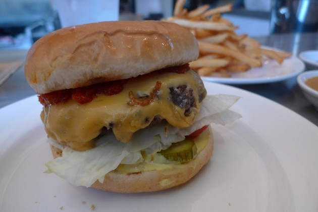 Spice Table Cheeseburger