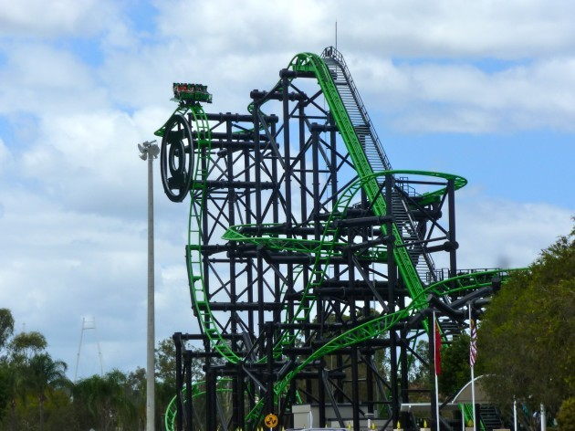 Green_Lantern_Coaster_from_carpark