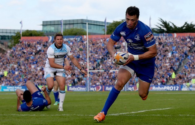 Zane Kirchner scores his side's opening try