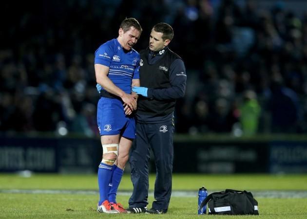 Eoin Reddan goes off injured