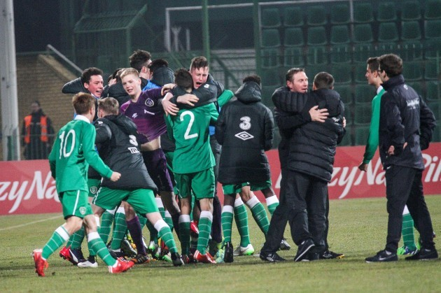 The Ireland players celebrate at the end of the game 26/3/2015