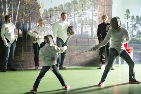 Family foil fencing