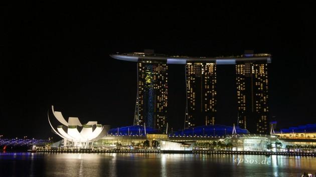 Ship hotel in Marina Bay of Singapore