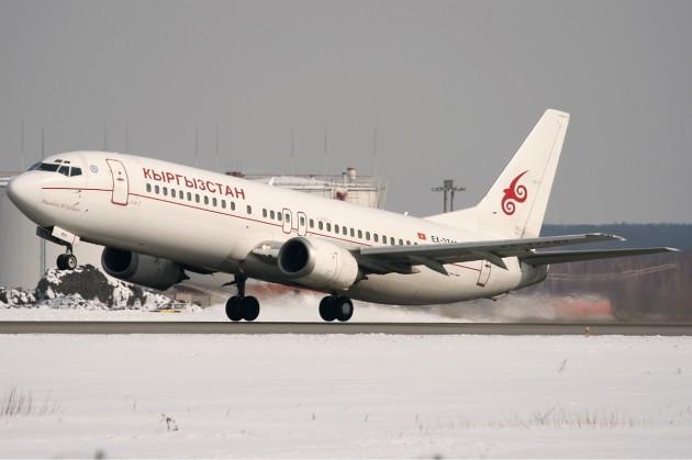 Air_Manas_Boeing_737-400_Ates-1