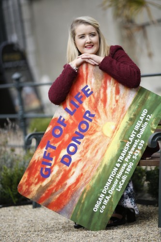 Claire Dolan with organ donor card