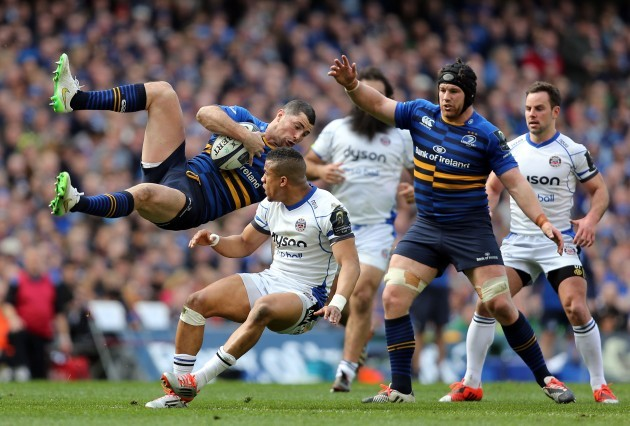 Rob Kearney is challenged in the air by Anthony Watson