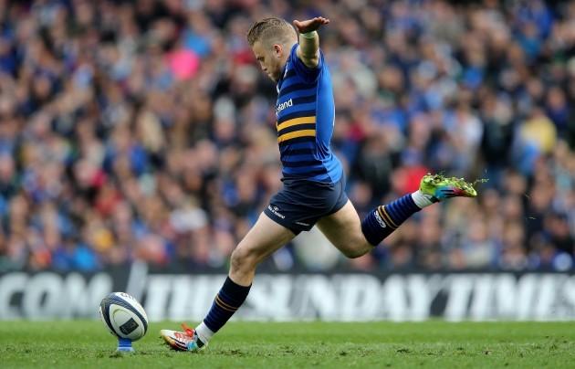 Ian Madigan kicks a penalty