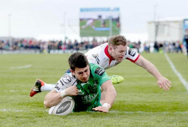Tiernan OÕHalloran scores his side's second try despite Darren Cave