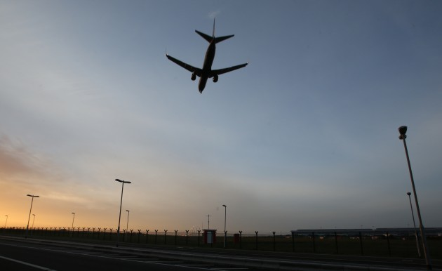 Aeroplanes Landing
