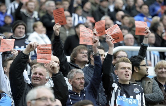Soccer - Barclays Premier League - Newcastle United v Swansea City - St JamesÕ Park