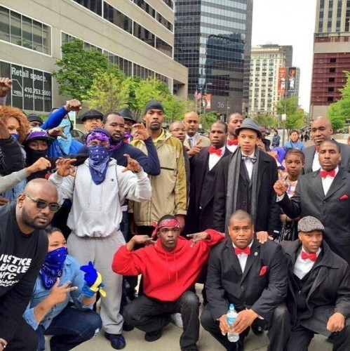 Bloods and Crips unite for justice for Freddie ...