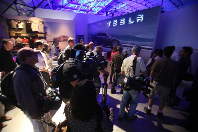 Tesla Battery Power for Homes