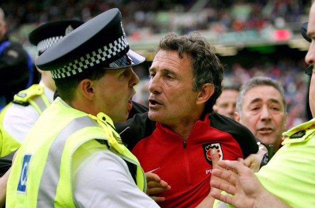 Guy Noves is arrested after the match 22/5/2005