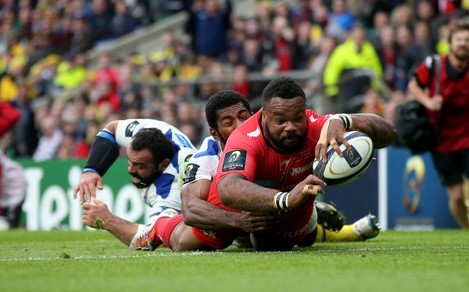 Mathieu Bastareaud scores his side's first try