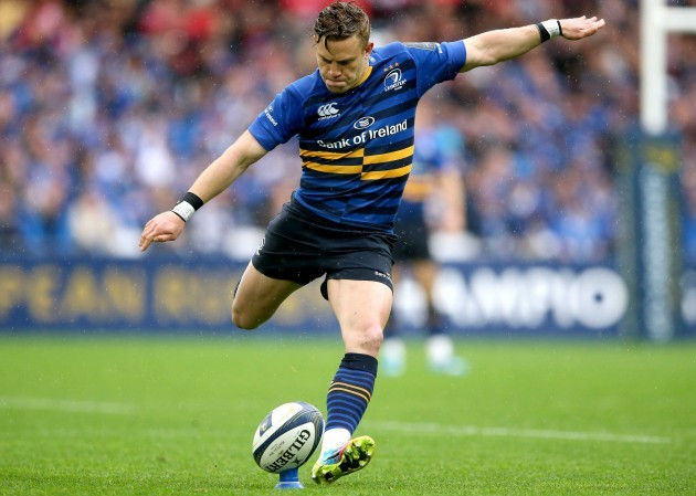 Ian Madigan kicks a penalty