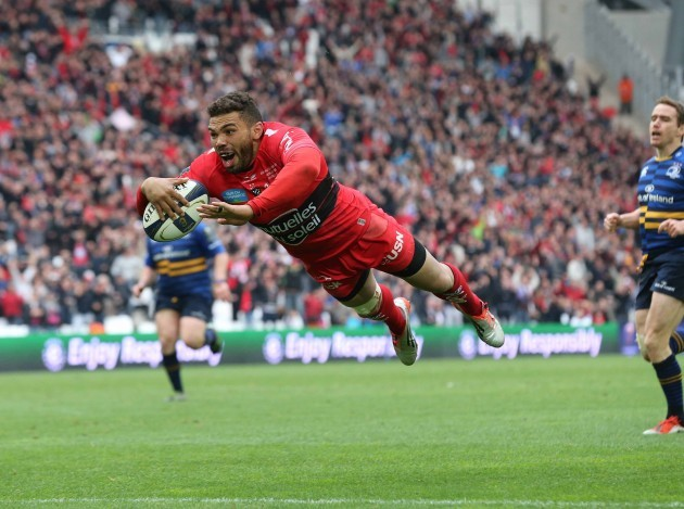 Bryan Habana scores a try