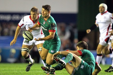 Ben Youngs watched by Chris Henry