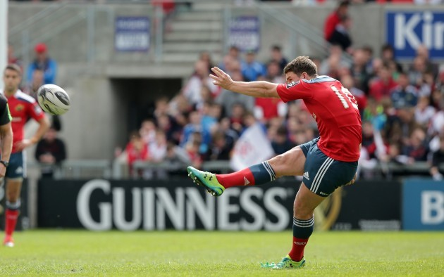 Ian Keatley kicks a penalty