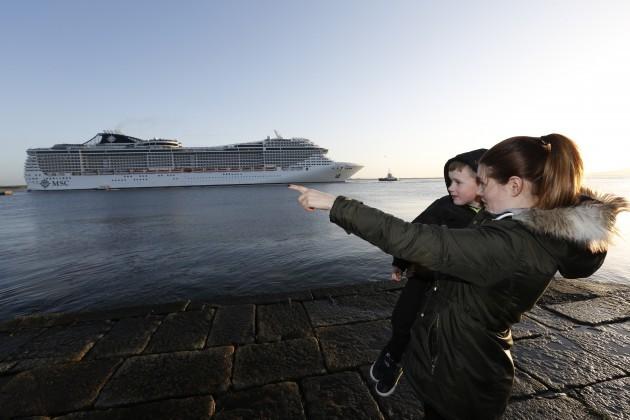 Largest Cruise ship MSC Splendida