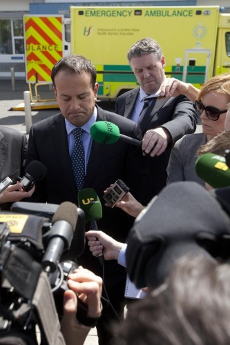 Minister Vists Portlaoise Hospital. Min