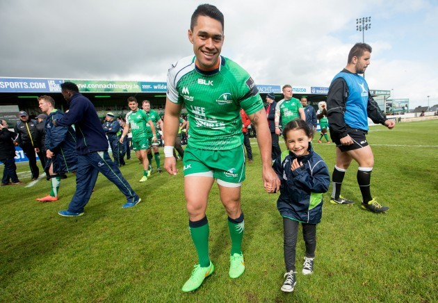 Miah Nikora with his daughter after the game