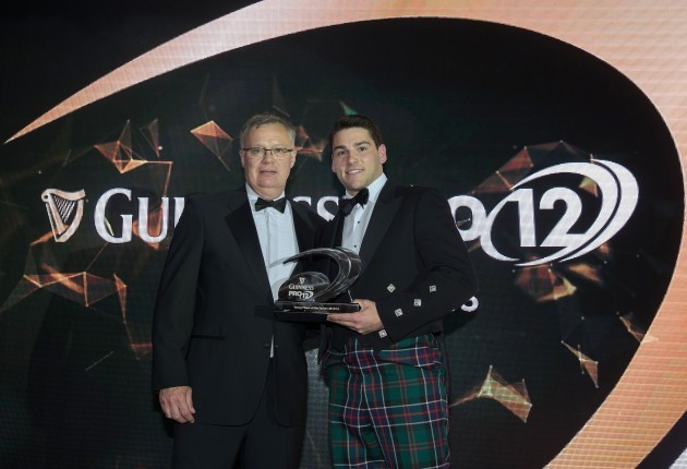 Sam Hidalgo-Clyne Edinburgh Rugby receives the Guinness PRO12 young player of the year award from David Jordan