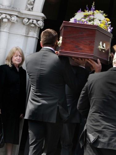 Derek Davis funeral 10 90380579