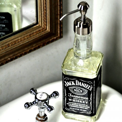 Jack-Daniels-Soap-Dispenser-3