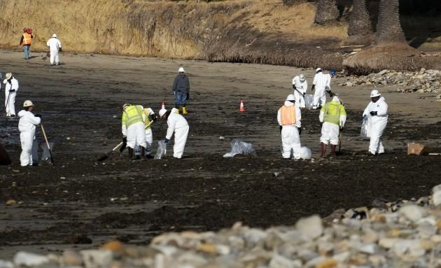 APTOPIX California Oil Spill