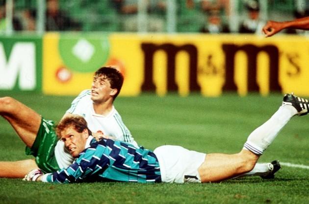 Niall Quinn and Hans Van Breukelen 1990