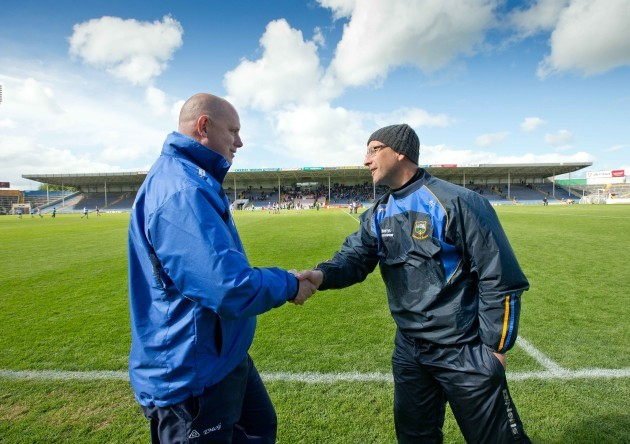 Peter Creedon shakes hands with Tom McGlinchey