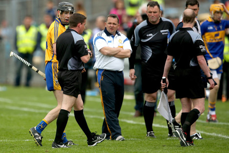 Patrick Donnellan and manager Davy Fitzgerald speak to referee Colm Lyons